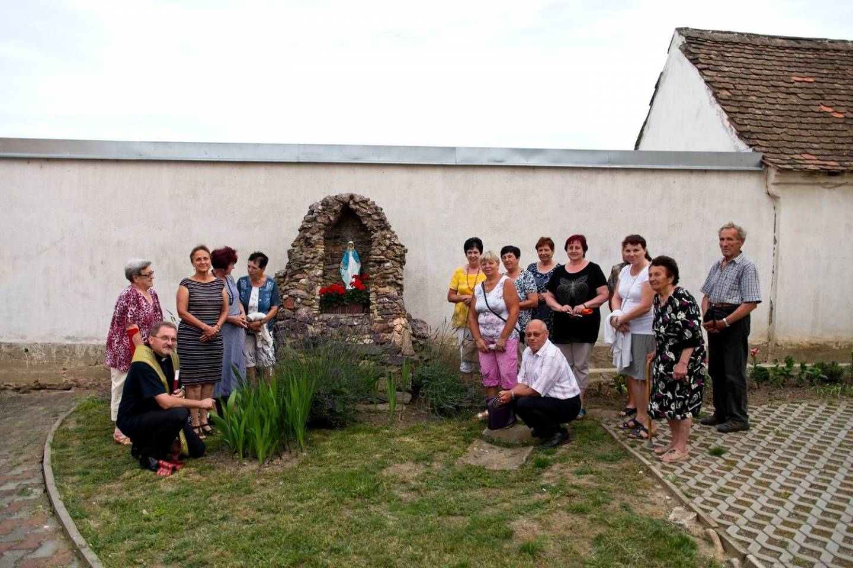 Posvěcení sošky Panny Marie v Tasovicích